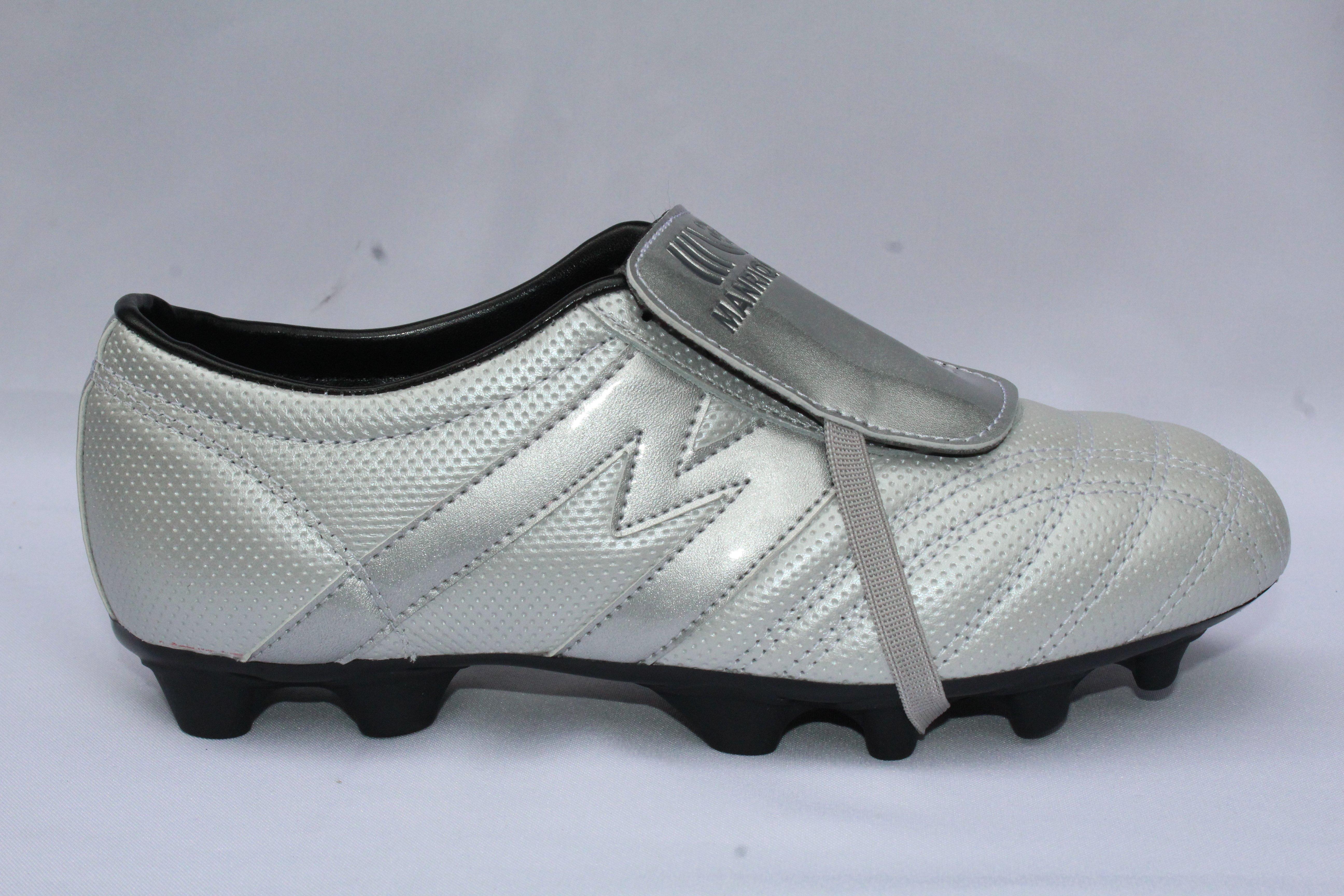 50e540795fee 2257-Zapato de Fútbol Manriquez MID SX PLUS Plata/Negro | Tienda ...