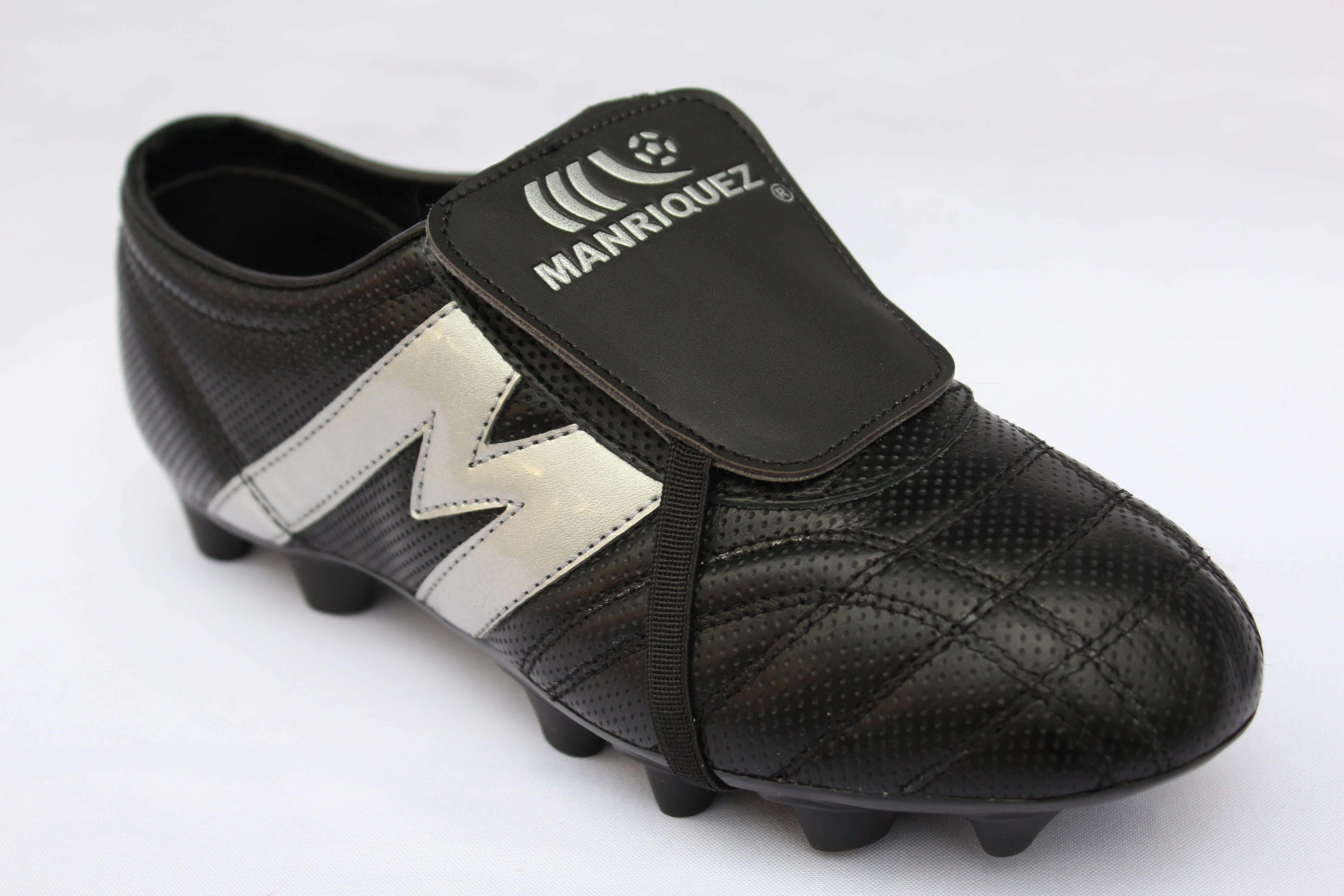 386a8403fd43 2265-Zapato de Fútbol Manriquez MID SX Negro/Plata | Tienda Deportiva