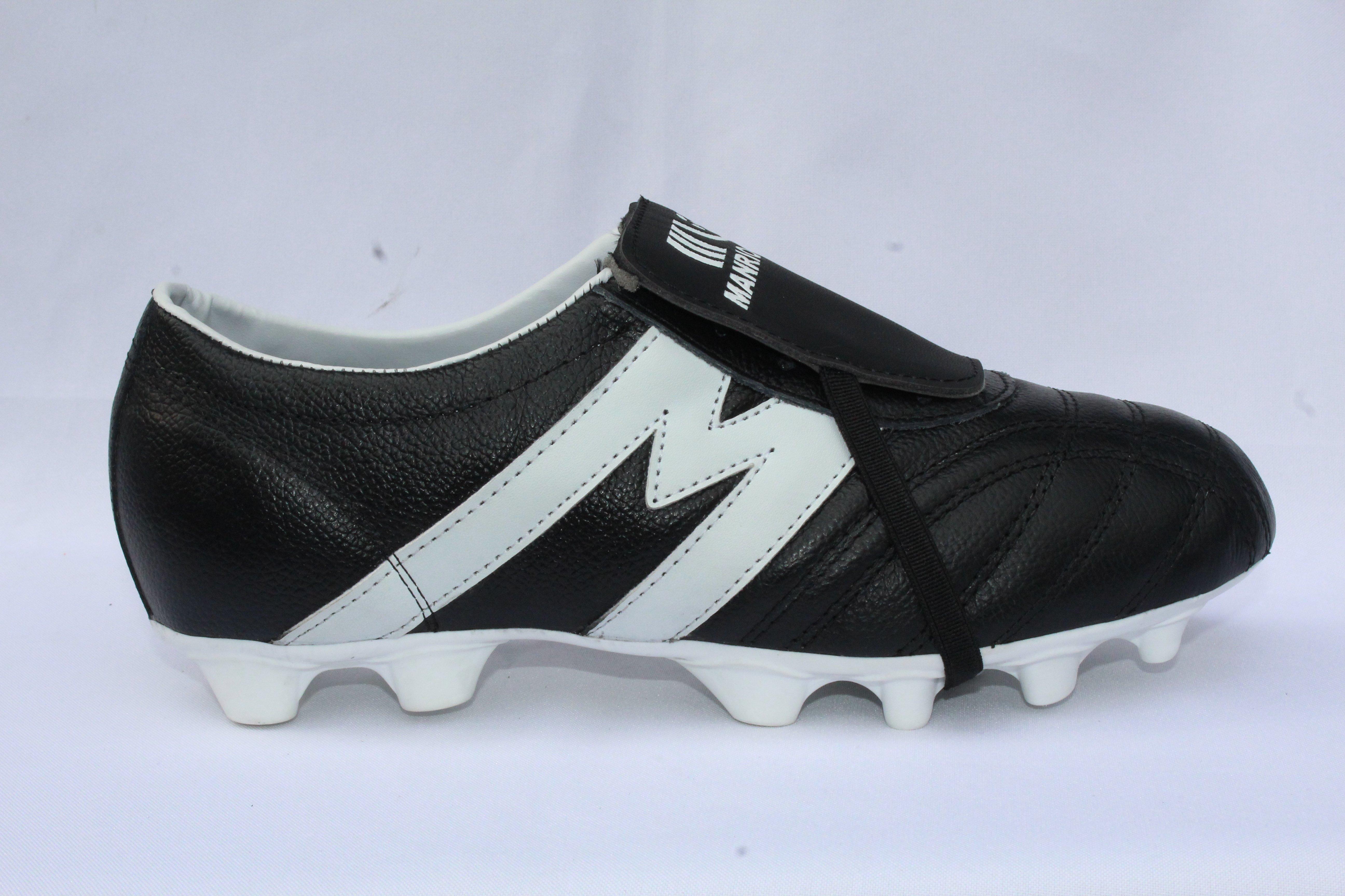 03afb2273b5ae Inicio Tienda     Por Marca     Manriquez Calzado Tacos Fútbol Superficie  Suave (pasto) 2948-Zapato de Fútbol Profesional Manriquez MID SX Negro  Blanco